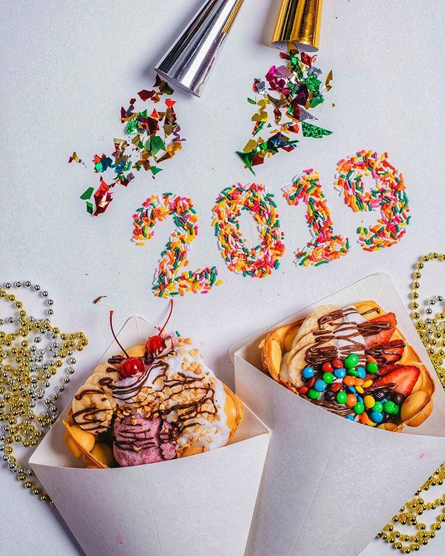Waffling into the new year strong 💪🏼💪🏼! Happy New Years! . . . . . #foodporn#626nightmarket#foodporn#foodie#foodbeast#foodgasm#instafood#626#losangeles#foodiesofinstagram#ocnightmarket#bubblewaffle#bubblewaffleadventures#hongkongwaffle#waffleadventures#icecream#waffle#yummy#lafoodie#food#lafood#eatersanonymous#EEEEEATS#lagram#laeats#eatfamous#eaterla#eater#dailyfoodfeed
