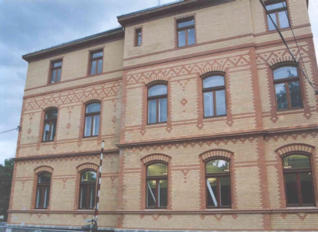 EUROokno se špaletou a vnitřním oknem. ČEZ-Teplice - 1999.