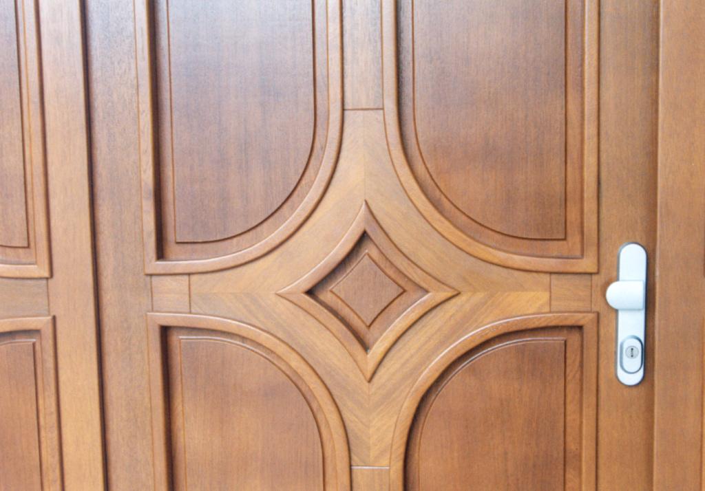 Vchodové EURO dveře. Rodinný dům Jirkov - 2003.