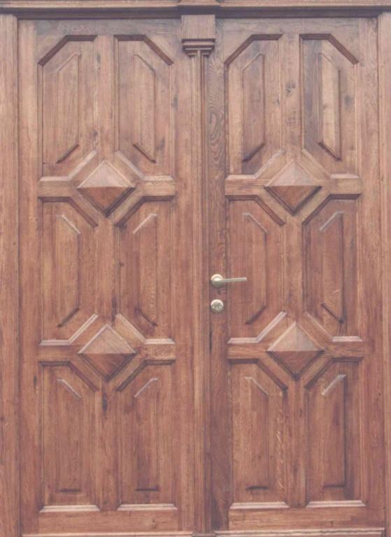 Vchodové dveře. Chomutov - 1993.