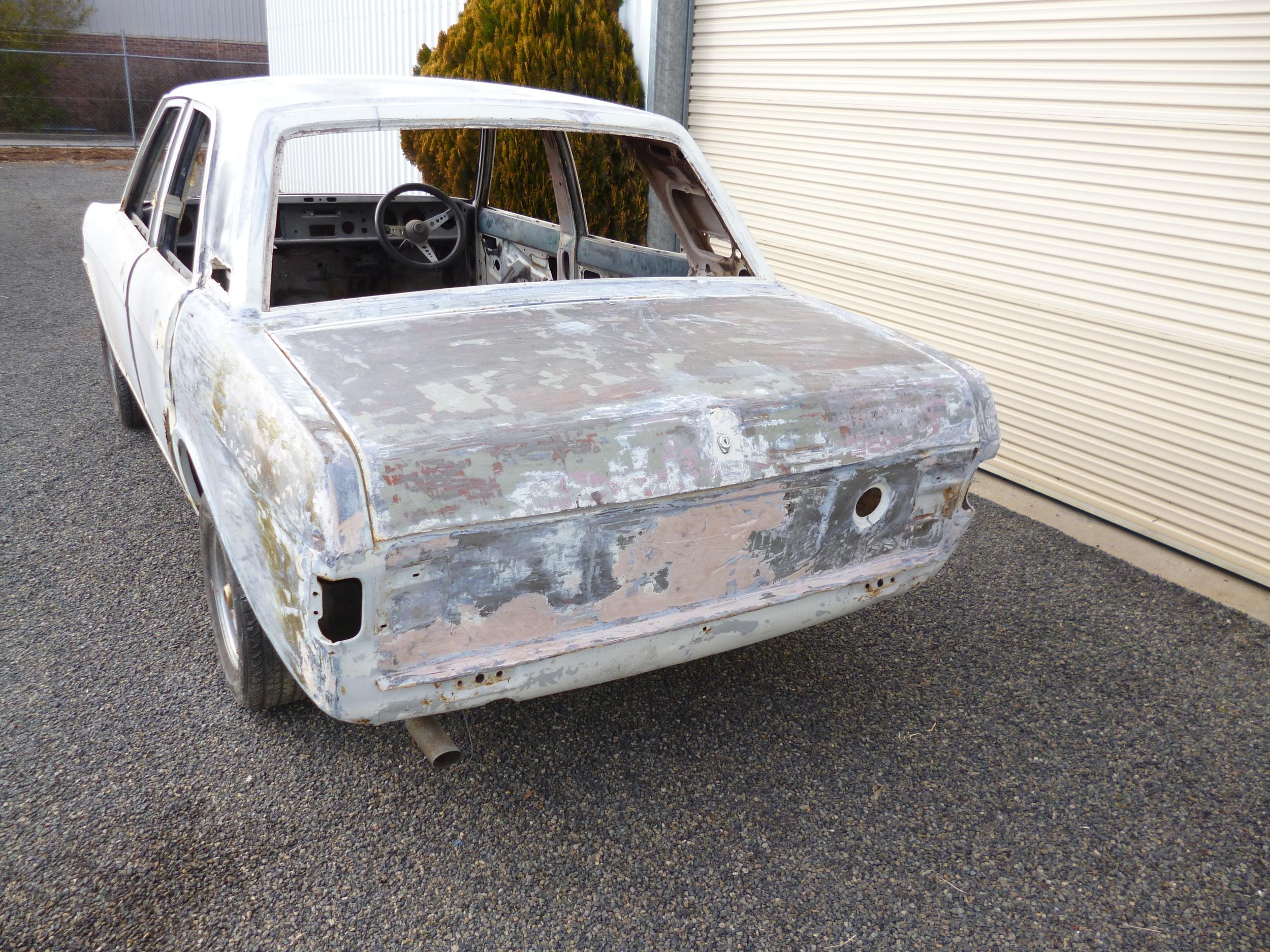 Ford Cortina (14).JPG