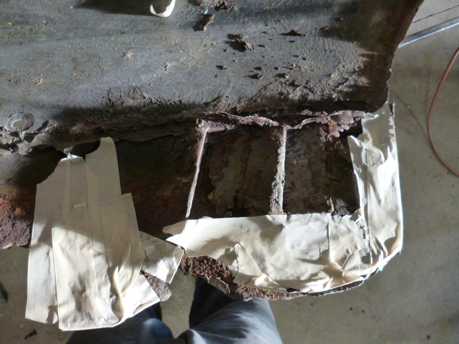 iso fidia rusted inner guard rear.jpg