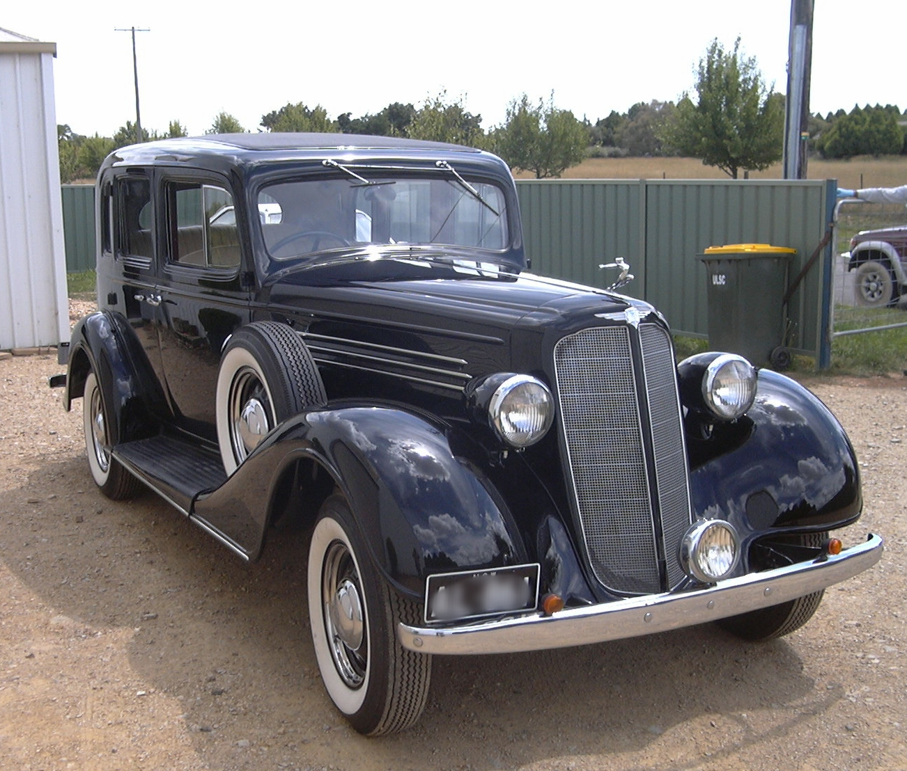 The Buick 1935 was fully restored. The timber frame had minor repairs made to it. The chassis and running gear was completely overhualed.