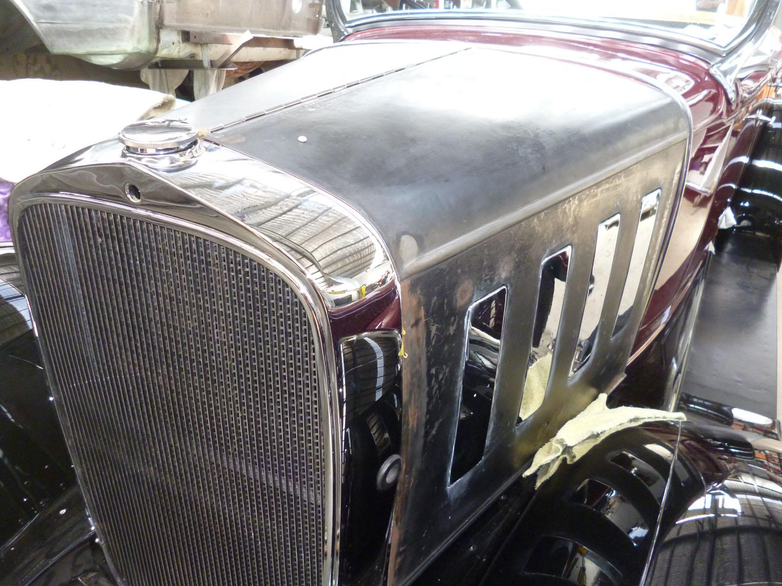 2Chevrolet 1932 bonnet.jpg