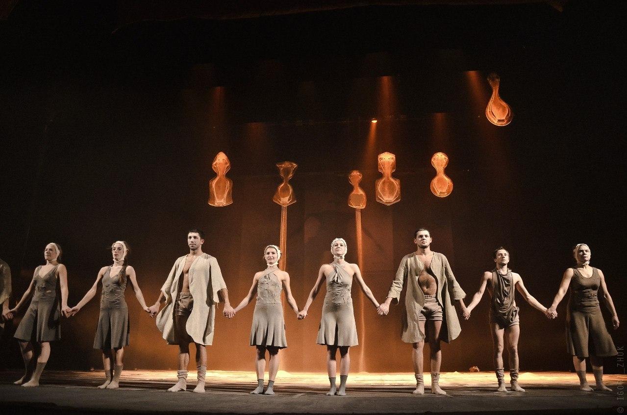 Как устроен современный театр: структура зрительских страхов иожиданий - Смотреть видеозаписьЧитаетОльга Рогинская