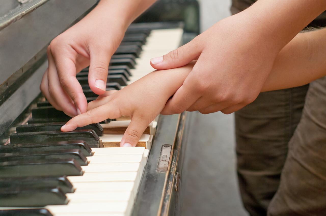 piano_teacher_child
