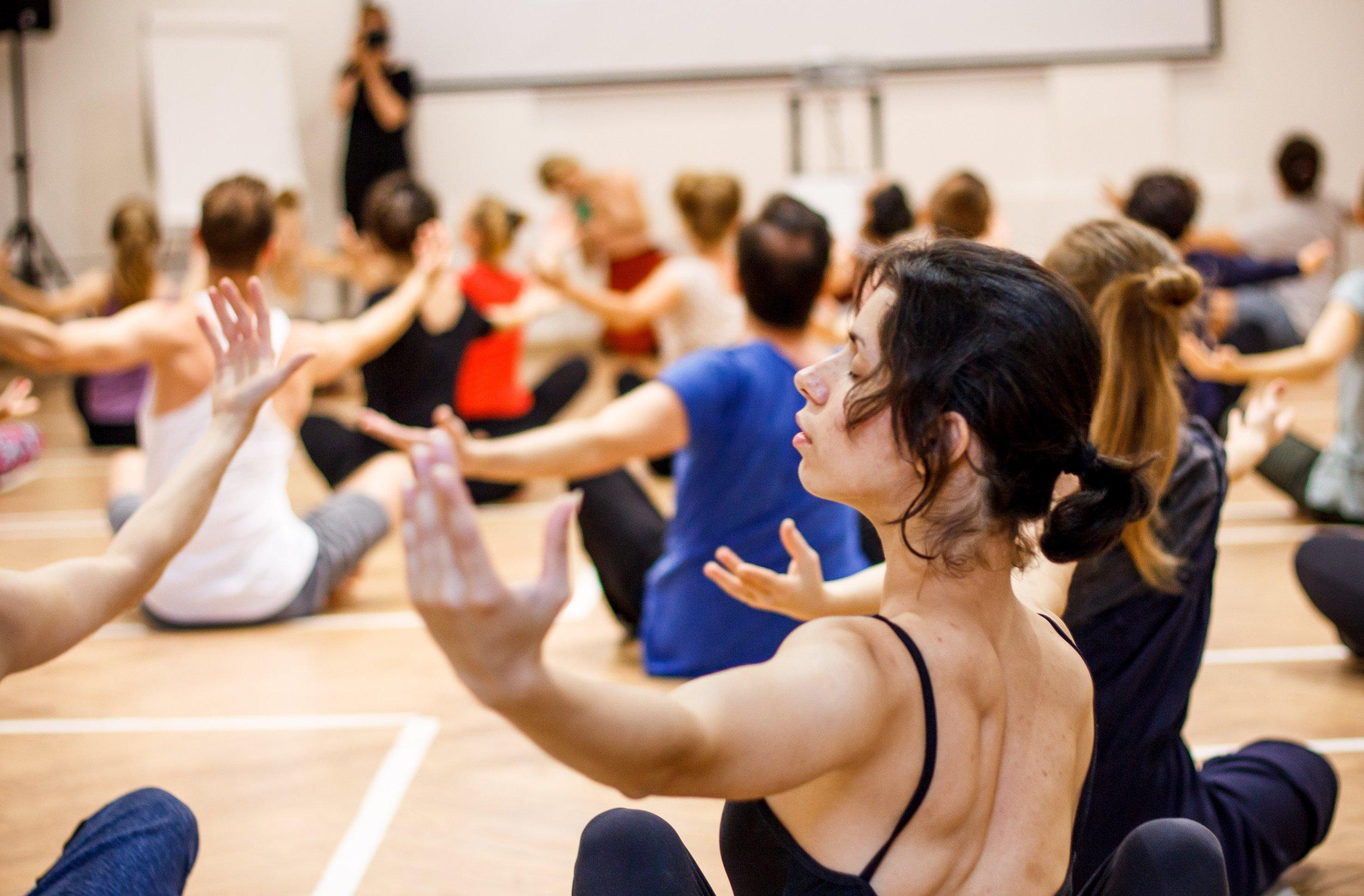 Курс «Зарубежные практики современного танца»