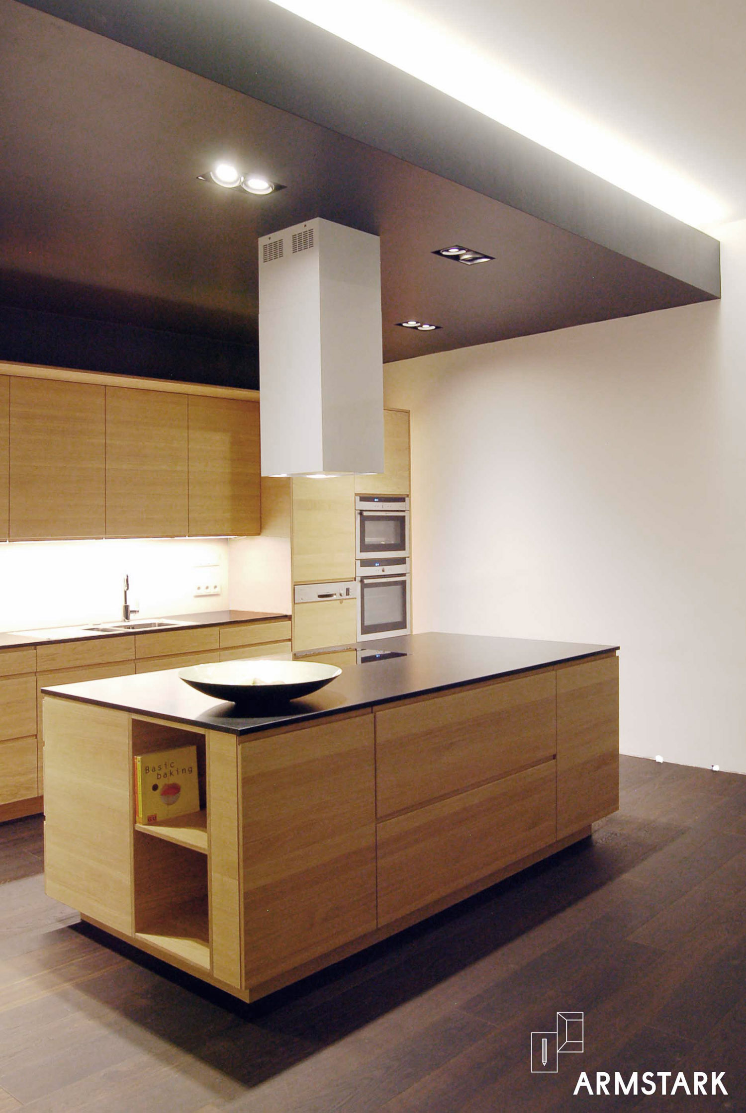 Der großzügig dimensionierte Küchenblock