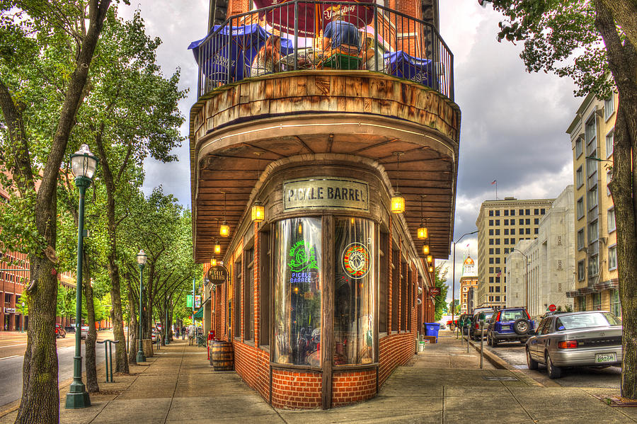 the-pickle-barrel-too-chattanooga-tennessee-reid-callaway.jpg