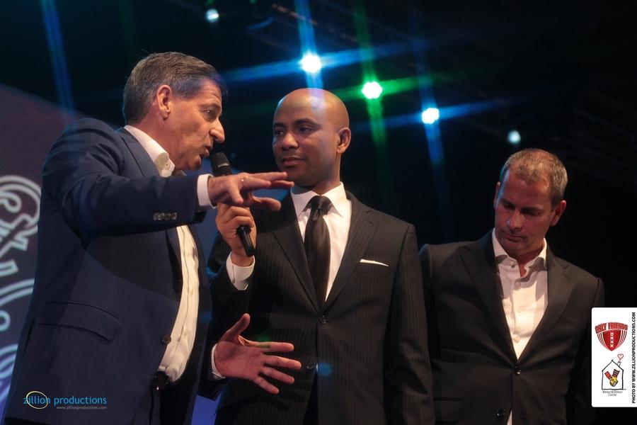 Humberto in gesprek met Only Friends sponsor Jacques Parson en bestuurslid Denis Brouwer