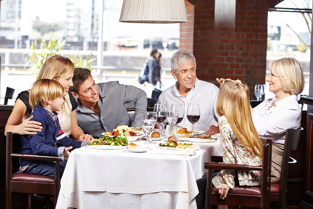 Family eating at restaurantV2.jpg