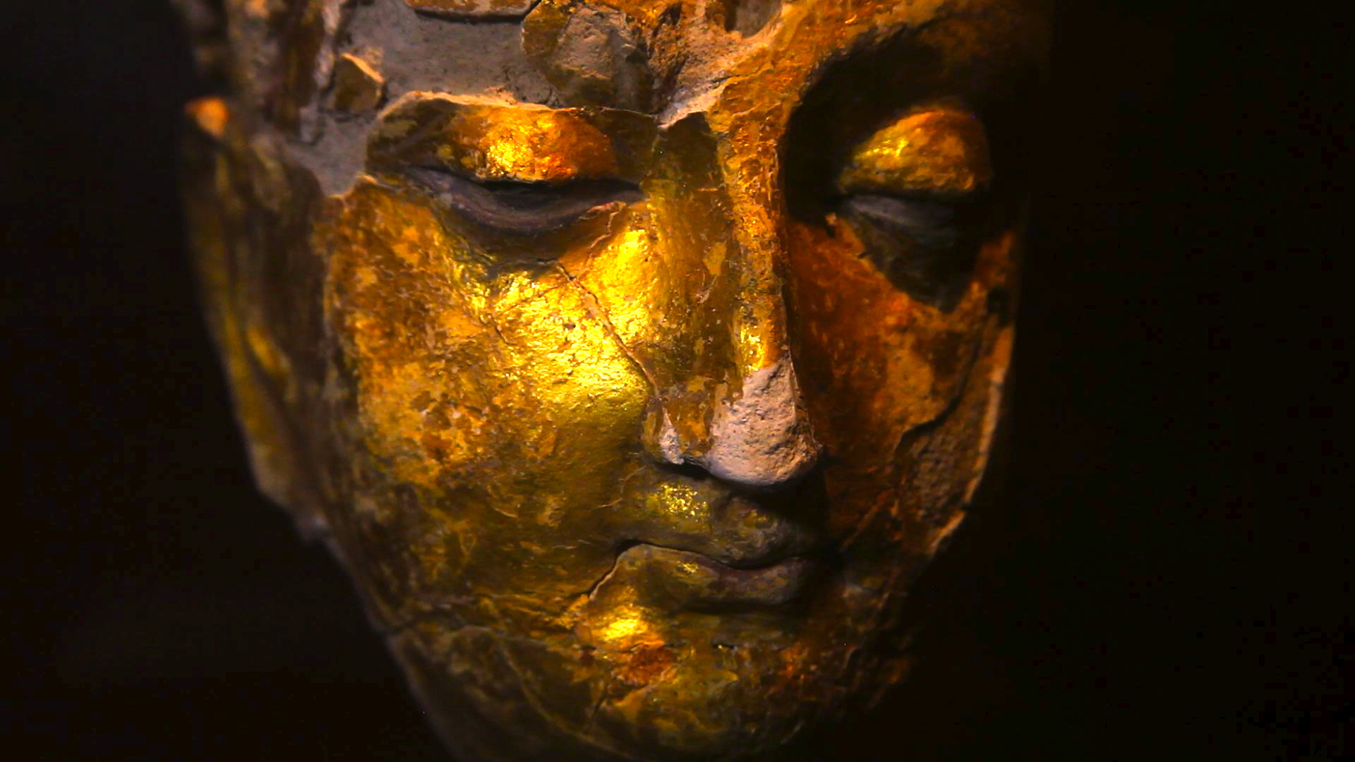 One of the most fascinating and beautiful pieces discovered at Mes Aynak: a gold-gilded Buddha statue from the 9th century.
