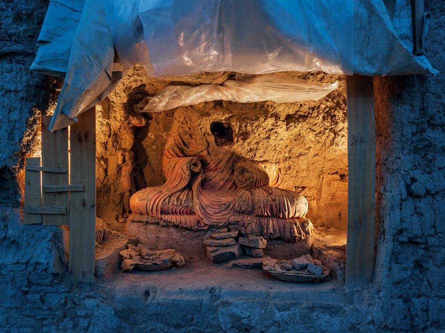 12-looted-buddha-890.jpg