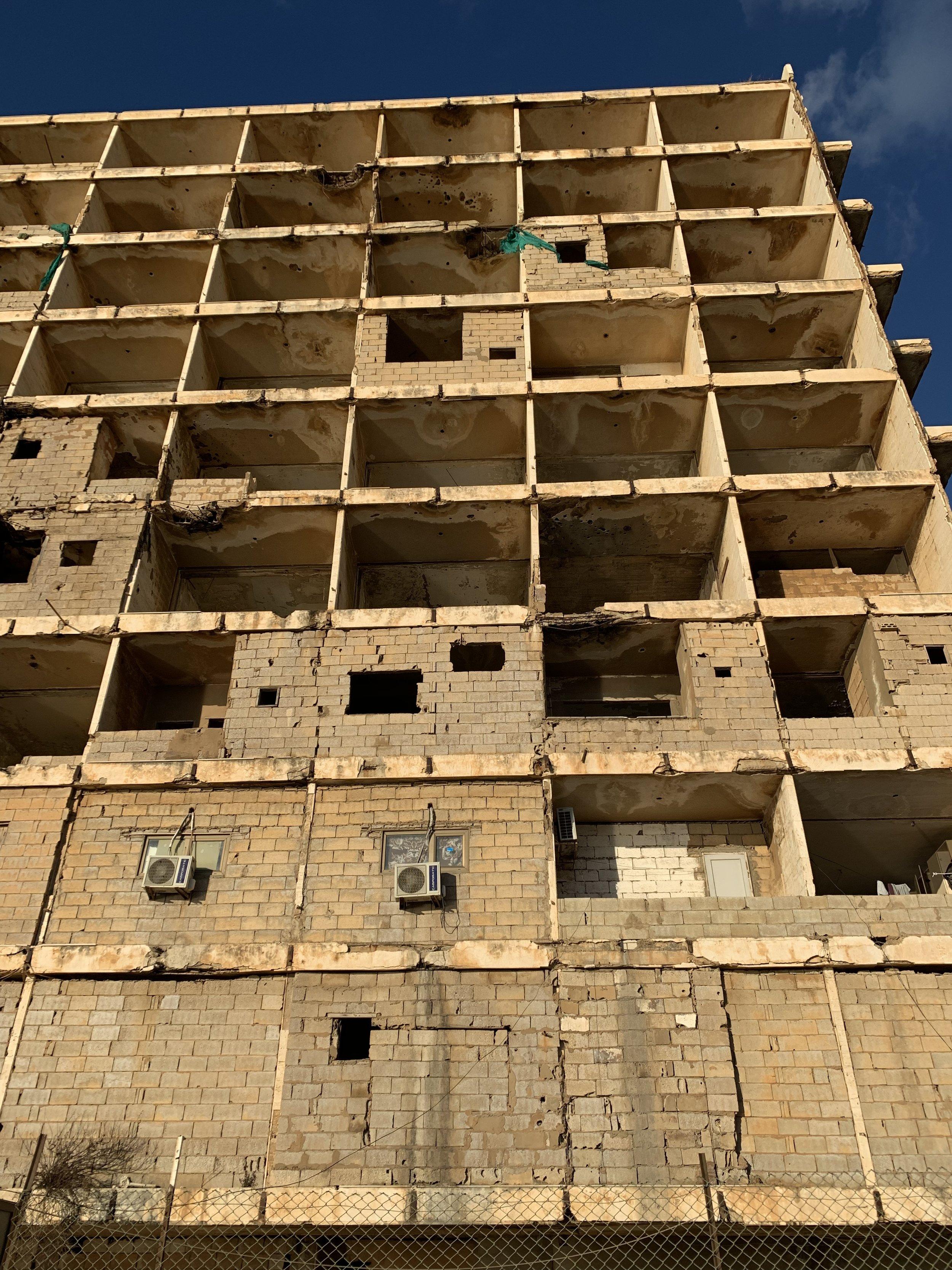 Alcuni palazzi distrutti e 'riciclati' vivono la loro secondo vita