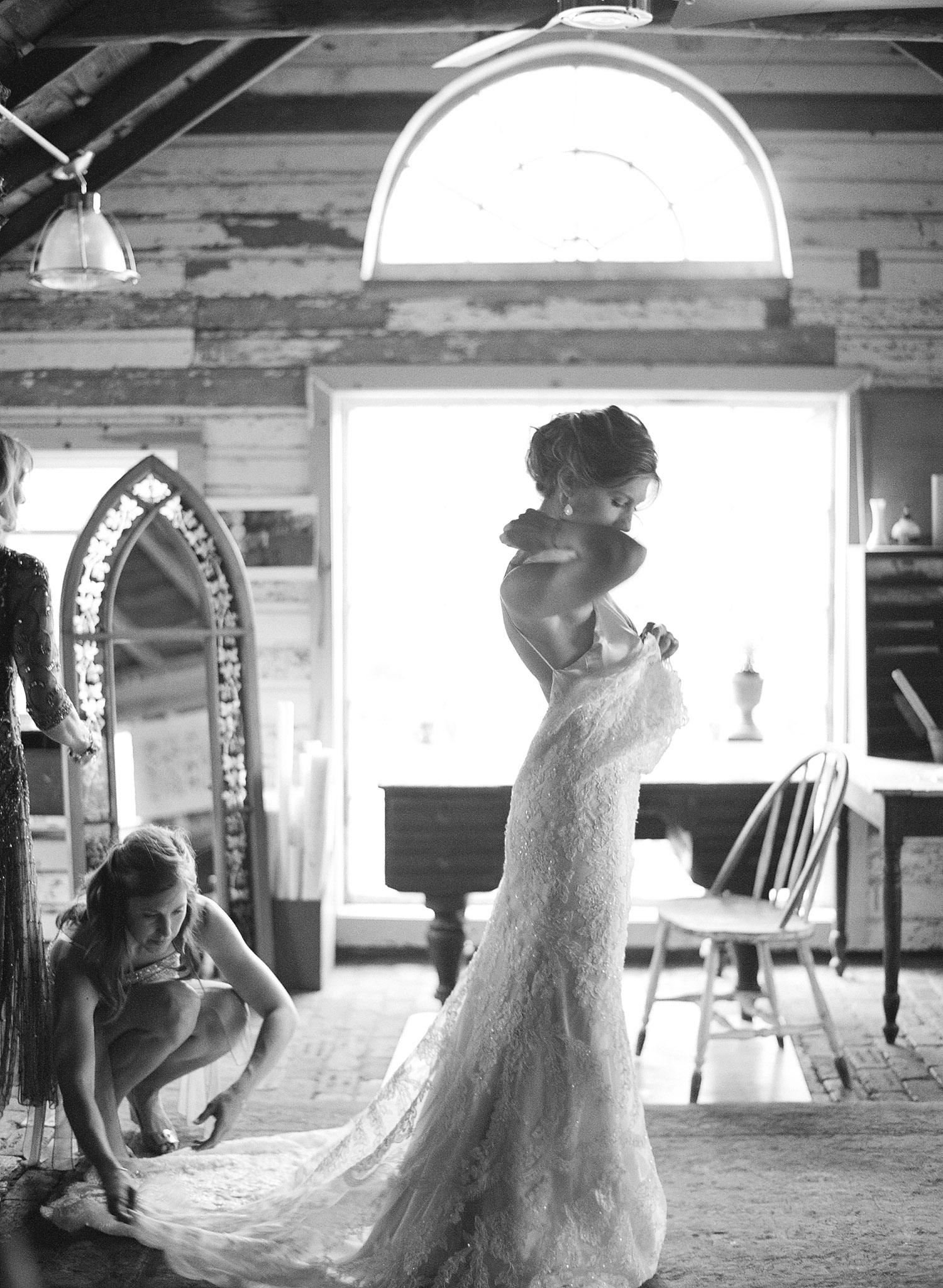 Destination wedding photographer Lexia Frank Photographs a bride getting ready at the Northwind Perennial Farms in Wisconsin in black and white wedding photography www.lexiafrank (dot)com