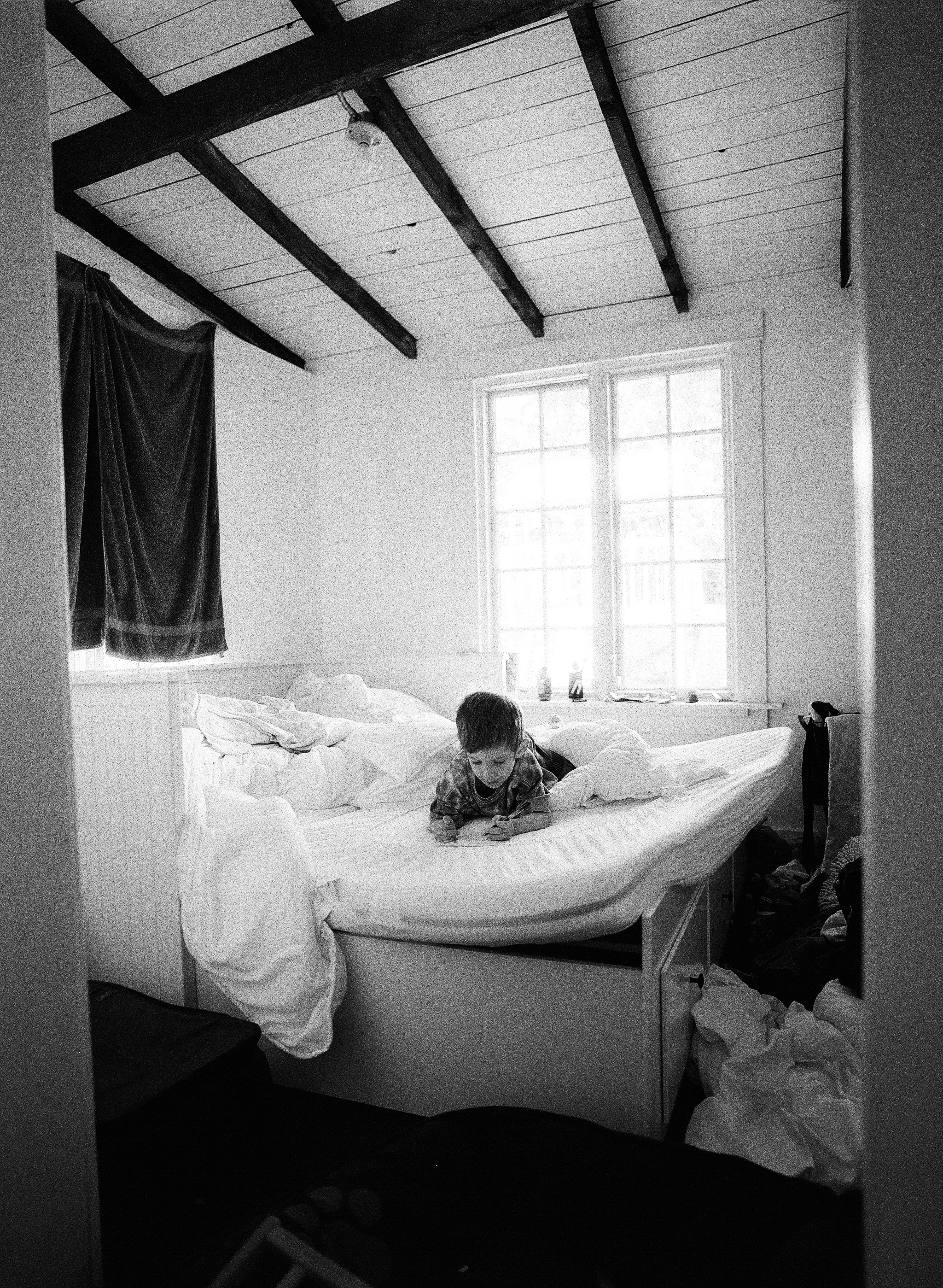 Portland Oregon Film Photographer, Lexia Frank, photographs a documentary family session in portland oregon on black and white film