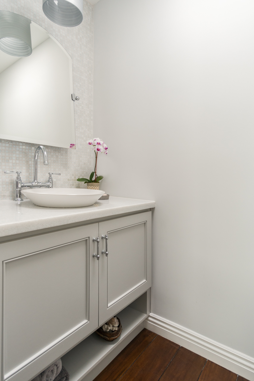 Delivered photo of the upstairs bathroom ©Ryan Carr - Legacy Listing Photography - 2017