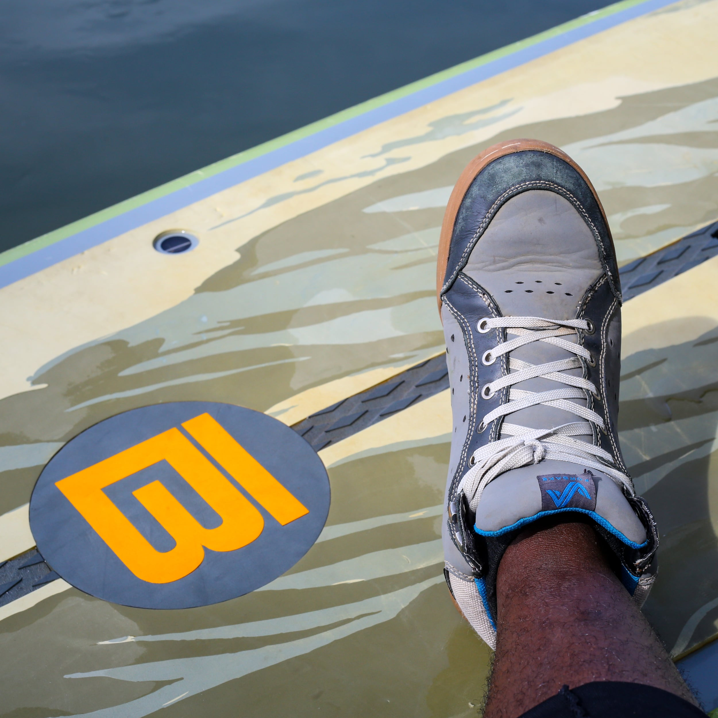 The Boteboards Realtree HD meets the Forsake Pilot.
