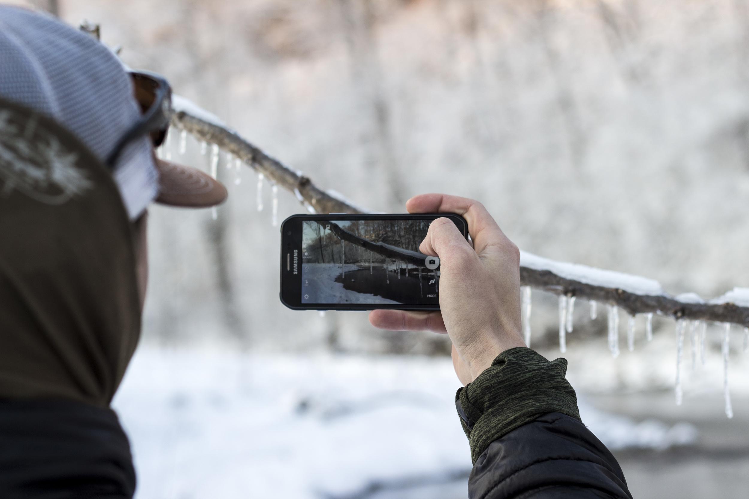 Snow Fishing_6.jpg
