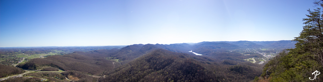 The view from the Pinnacle Overlook. To the left is Tennessee, to the right Kentucky, and the photo was actually standing in Virginia