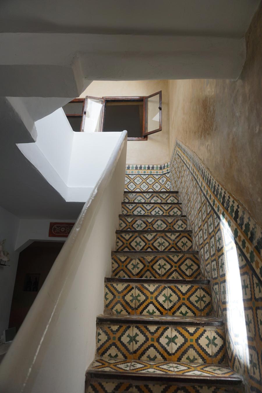 dar-emma-stairs.jpg