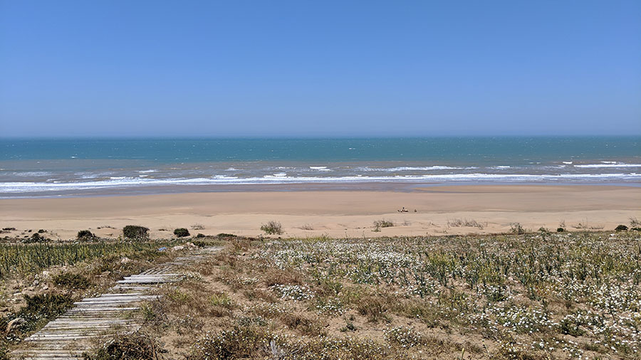 chezberbermo-essaouira-secret-beach.jpg
