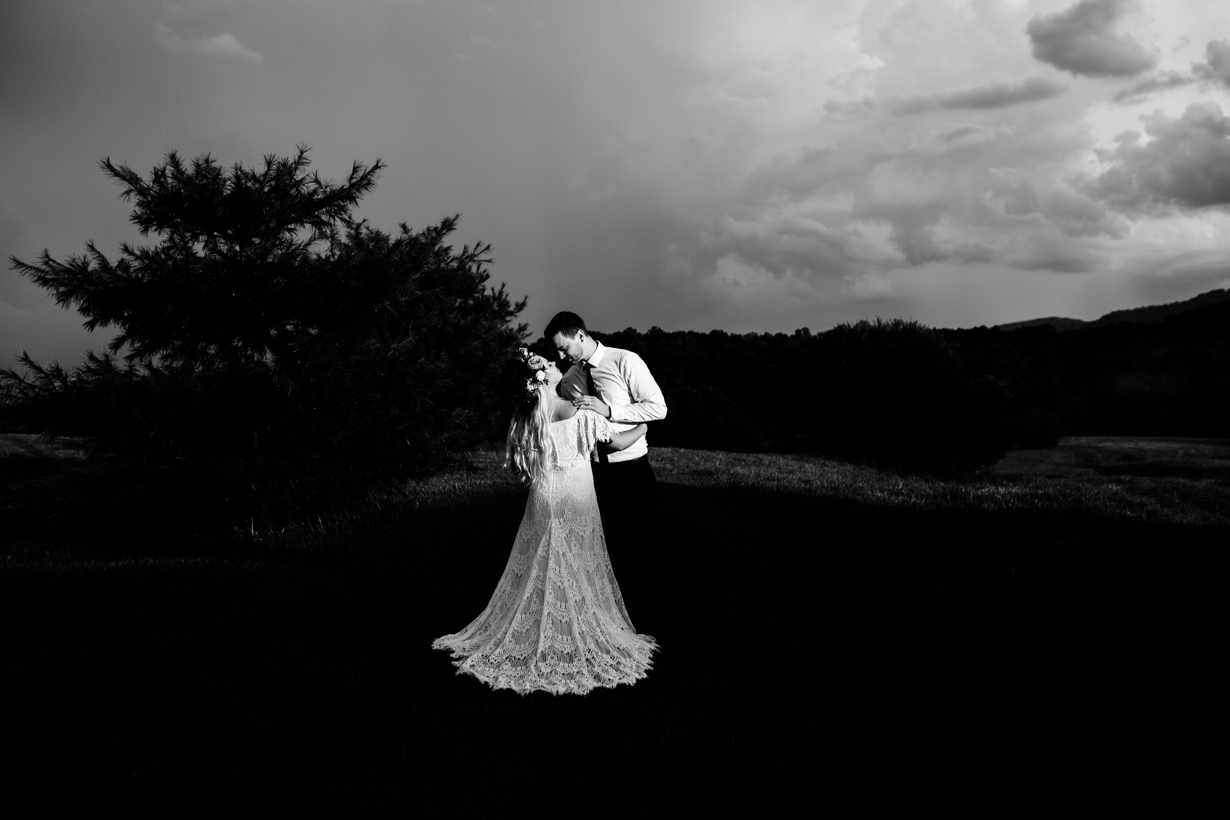 black and white wedding photography.jpg