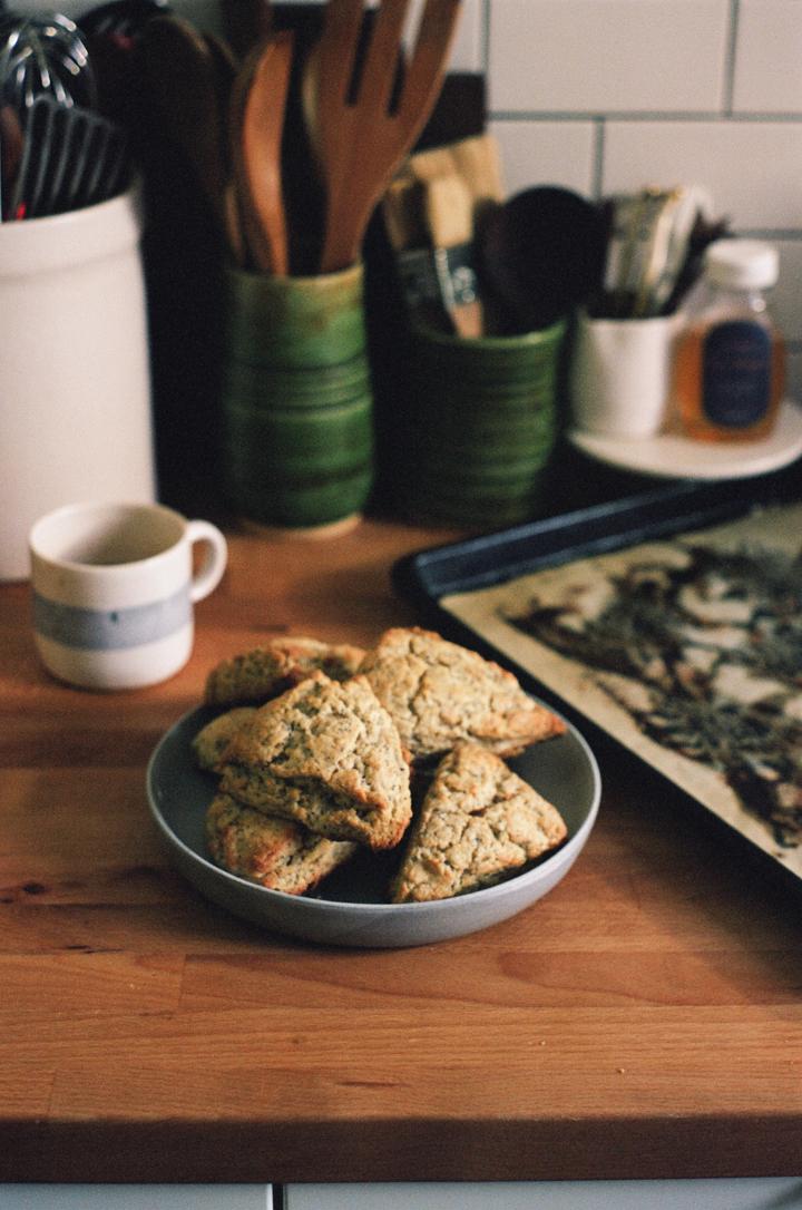 tangerine poppyseed scones (apt 2b baking co)