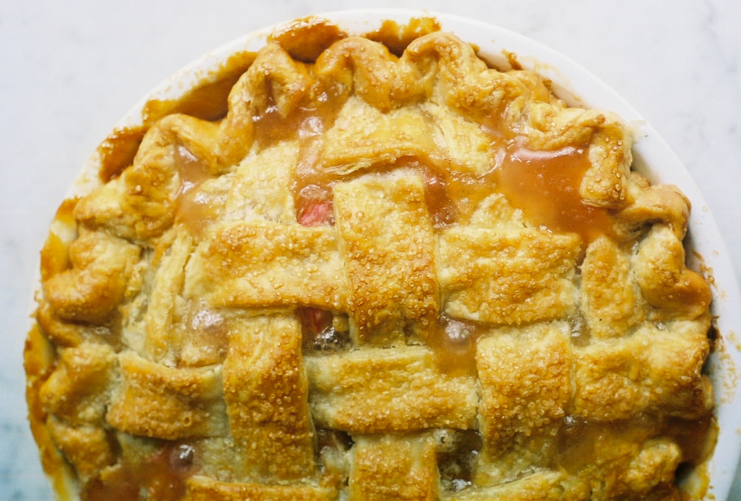 rhubarb pie (yossy arefi)