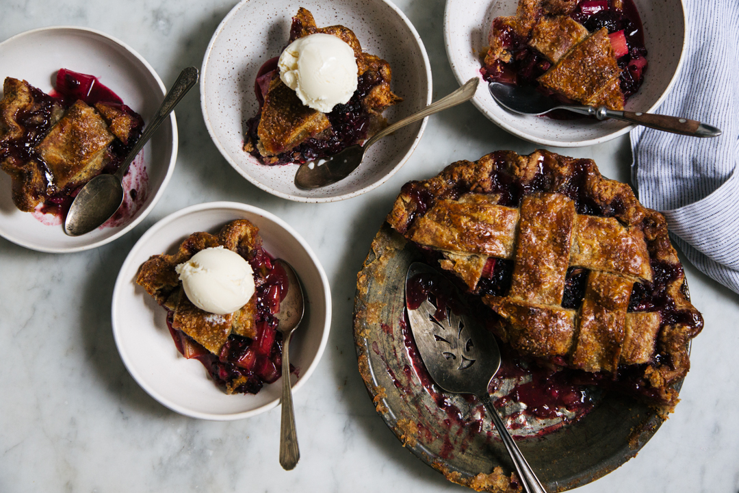 blackberry rhubarb pie (yossy arefi)-9117.jpg