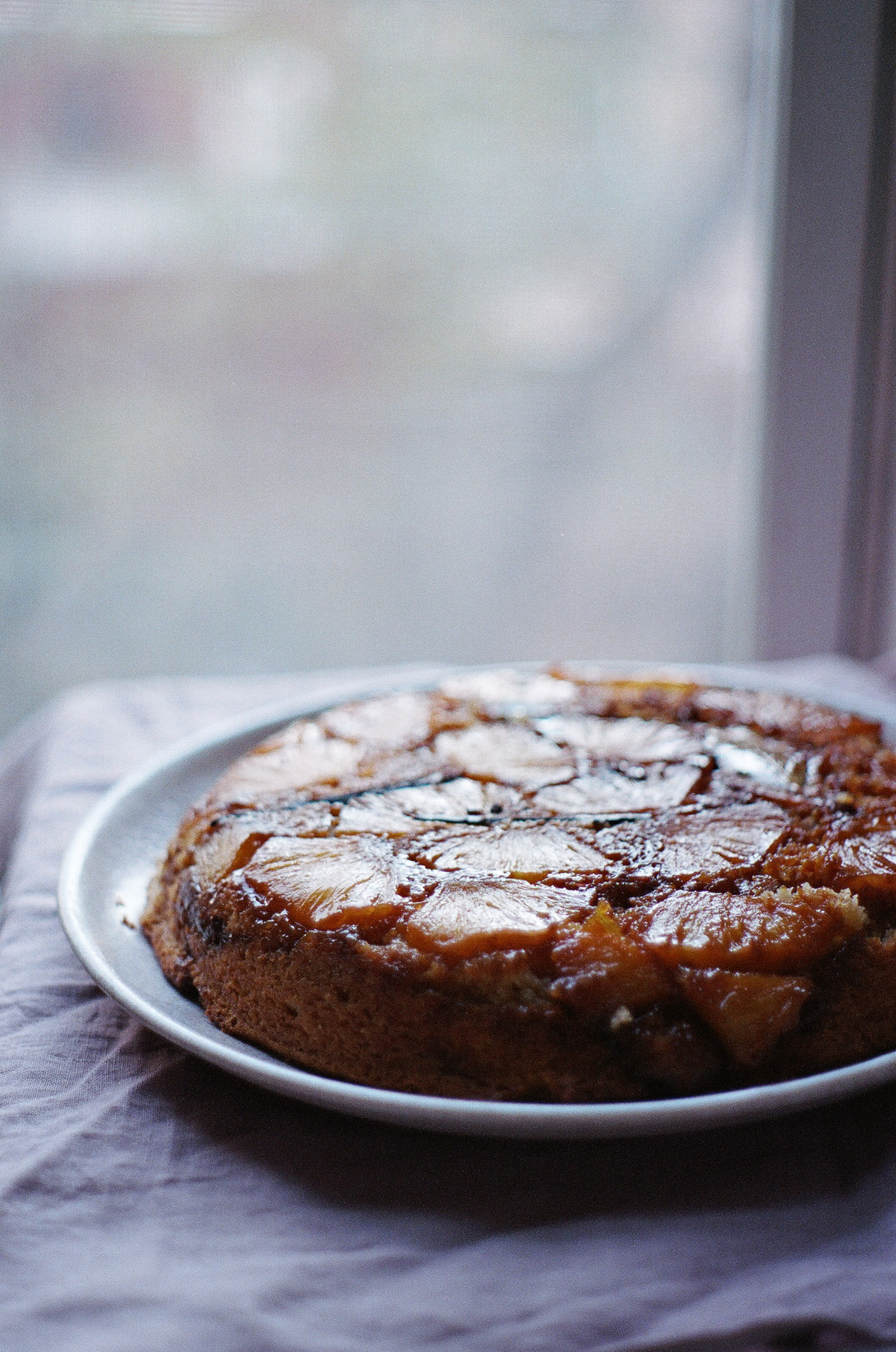 pineapple upside down cake-01910035.jpg