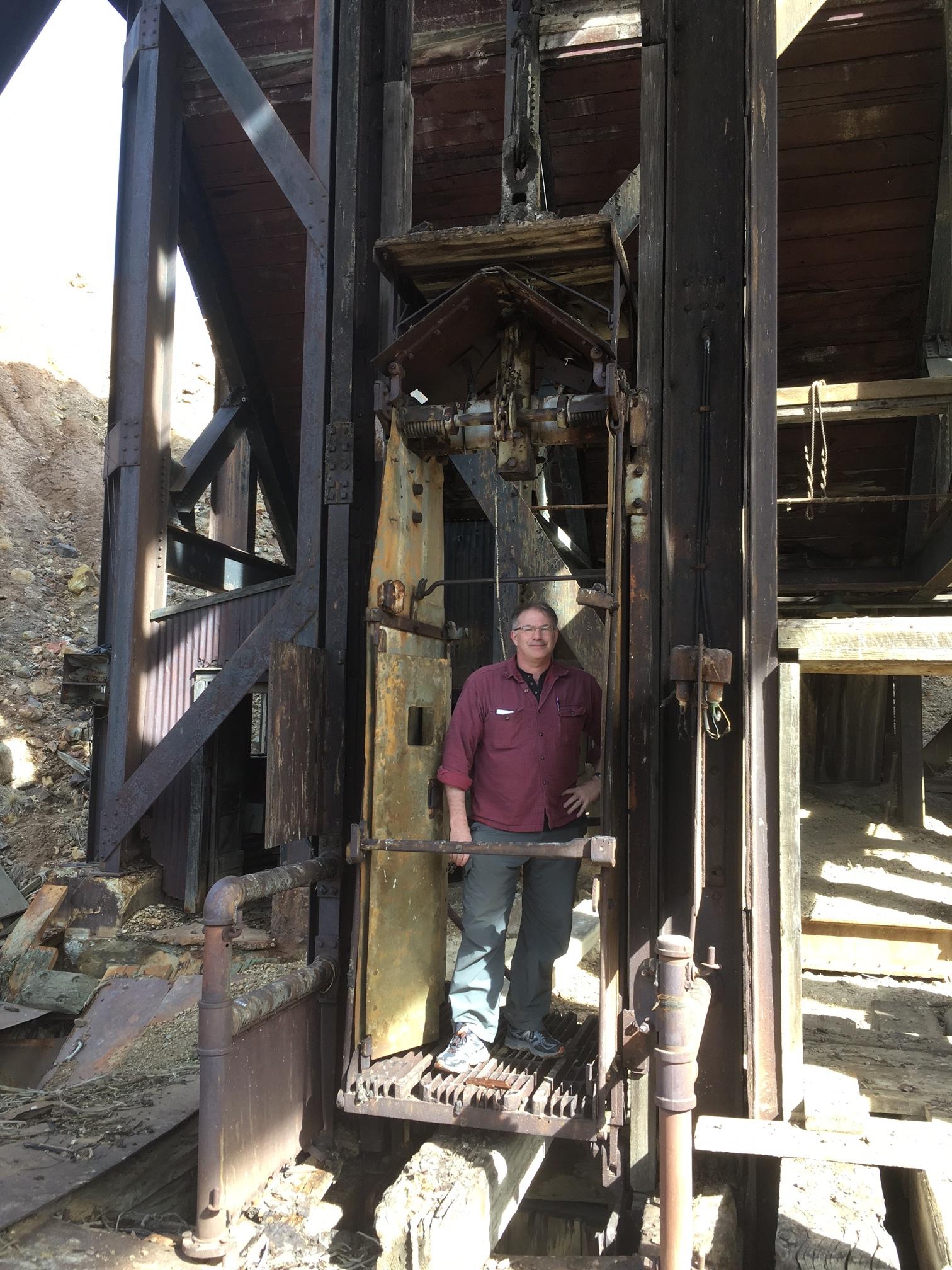 Doug in Granite Mountain chippy cage.JPG