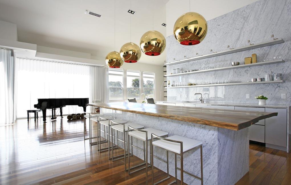 4_KitchenLR.jpg