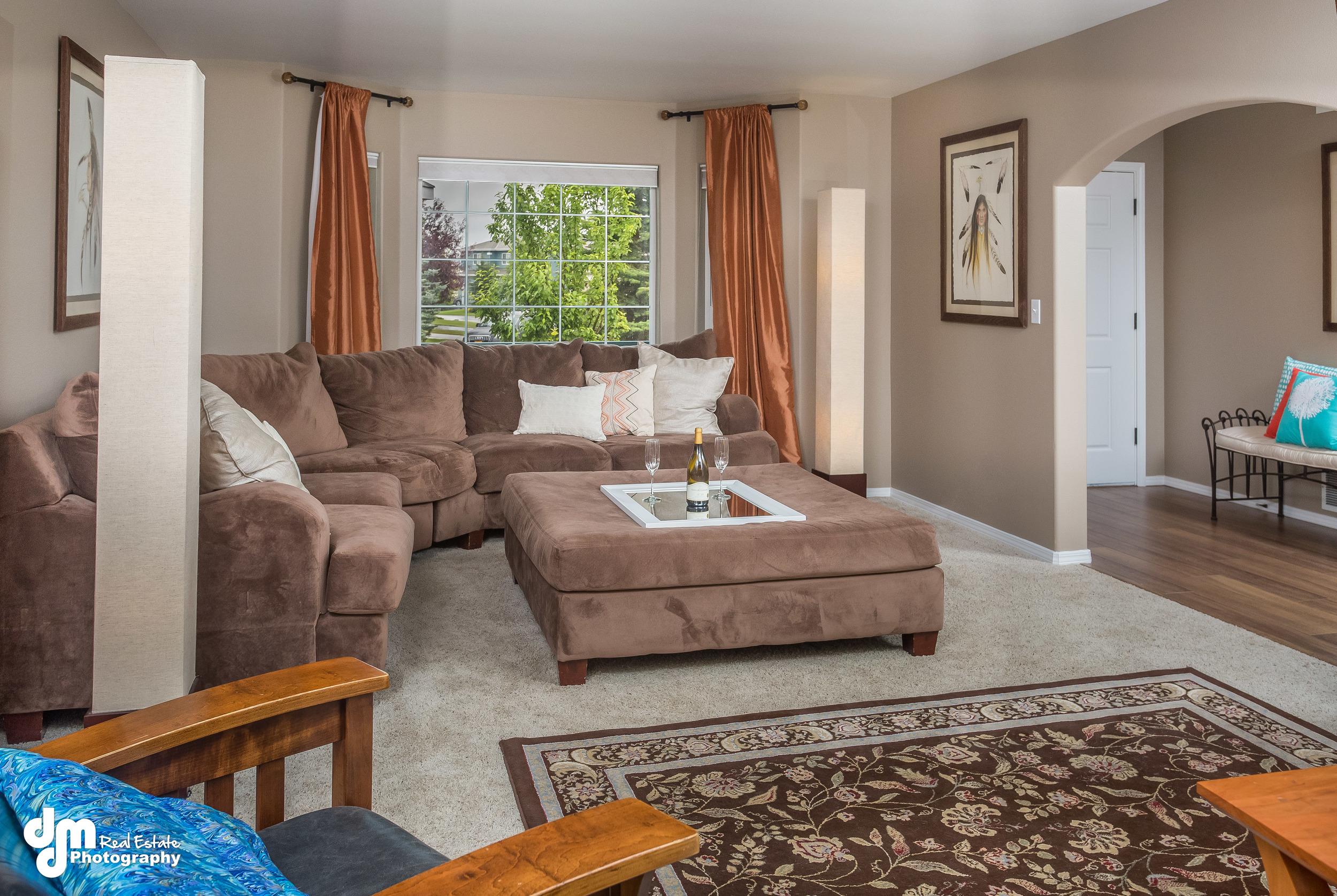Front Living Room_DMD_6756.jpg