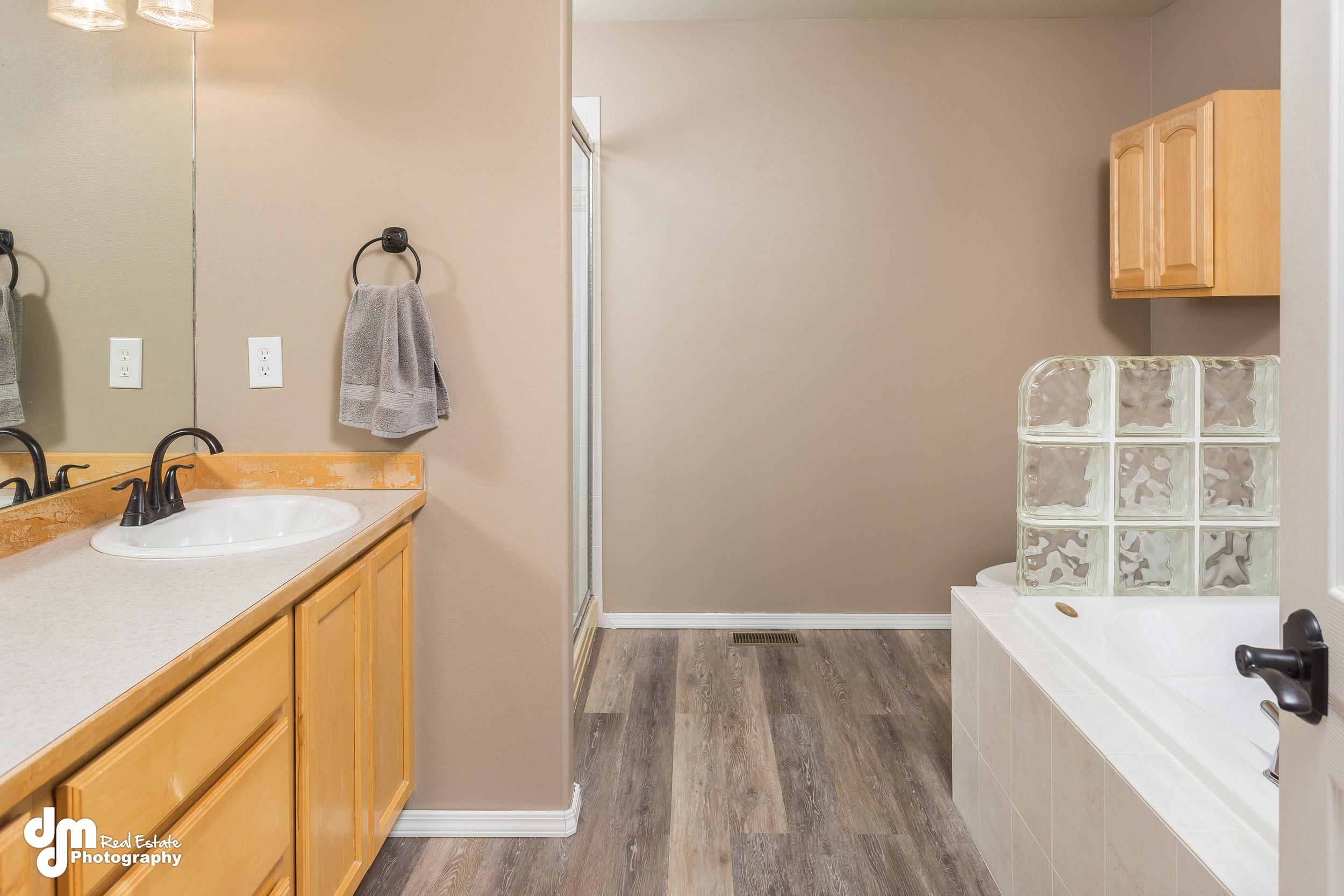Master Bathroom_DMD_6791.jpg