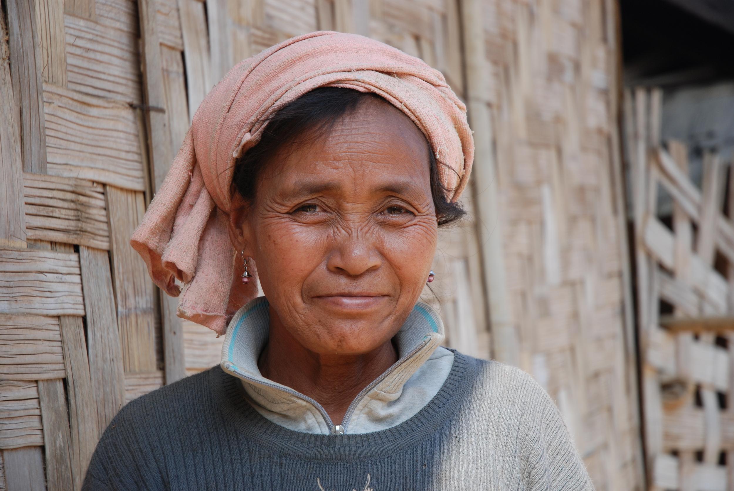 Photo: Khmu woman. Thomas Schoch, Wikimedia Commons