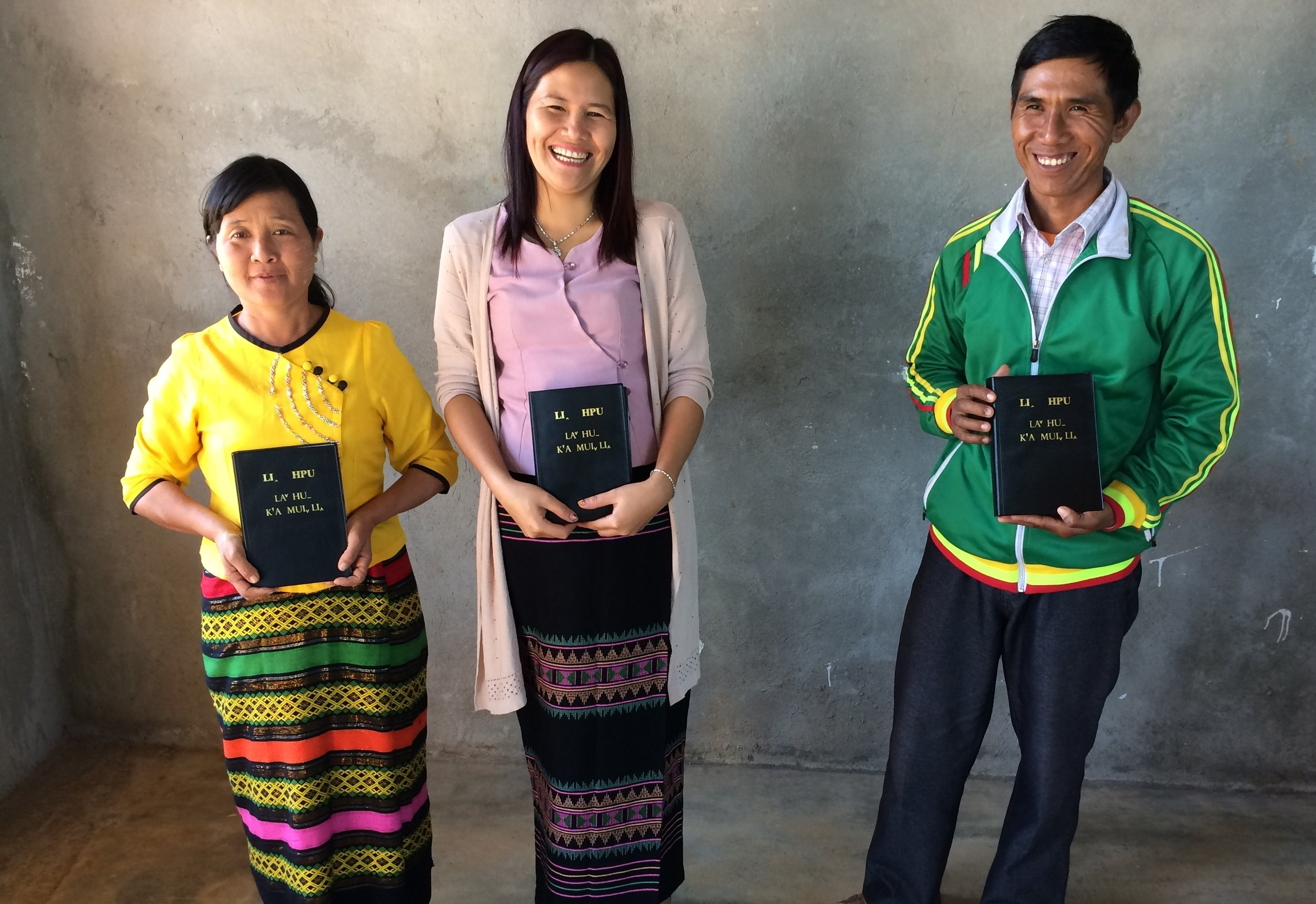 Photo: Lahu leaders and pastors receive their Bibles