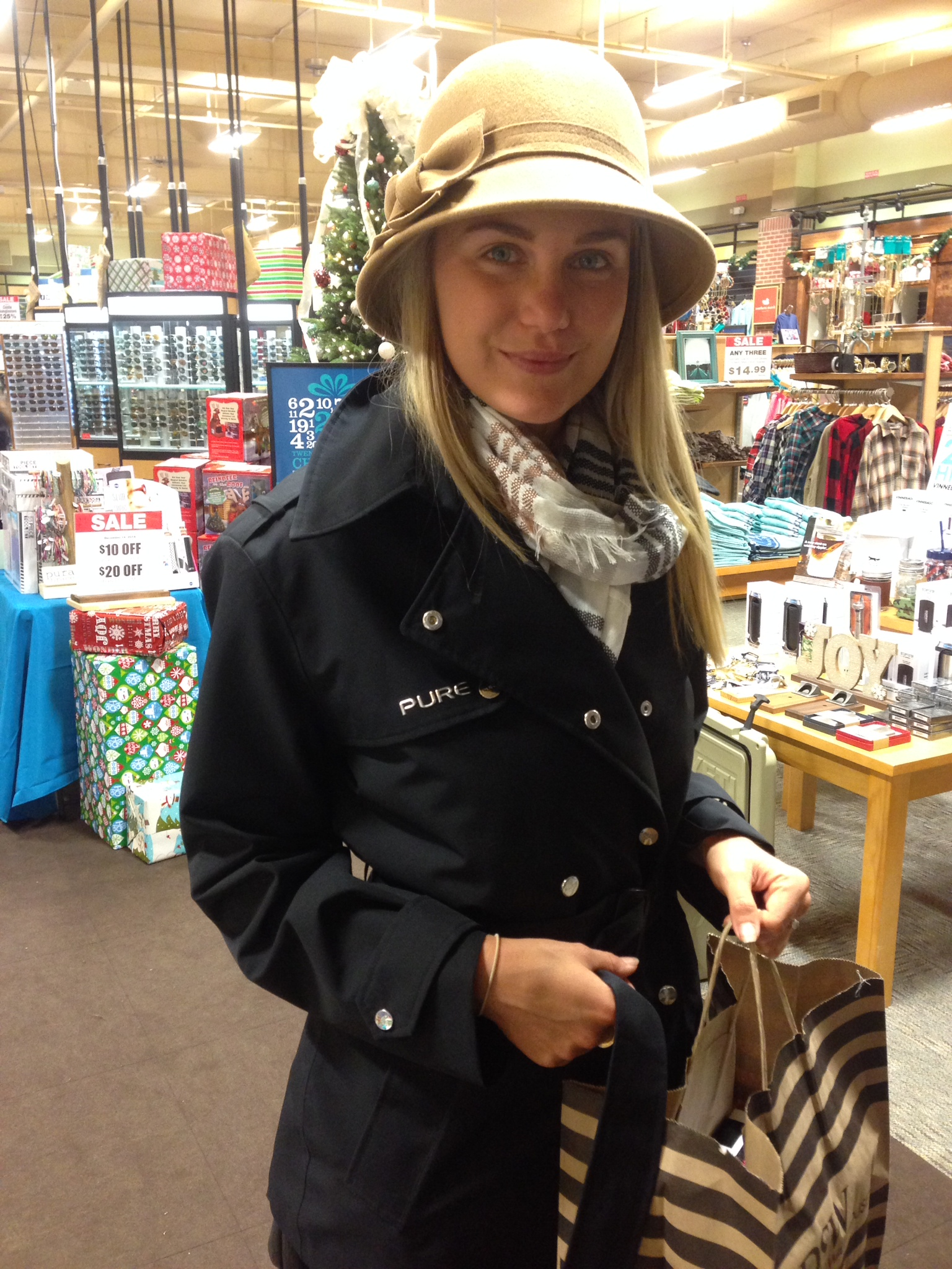 Amber looking stylish while shopping in America