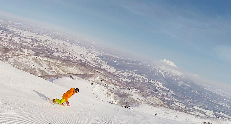 pure brandz guy snowboarding niseko2.png