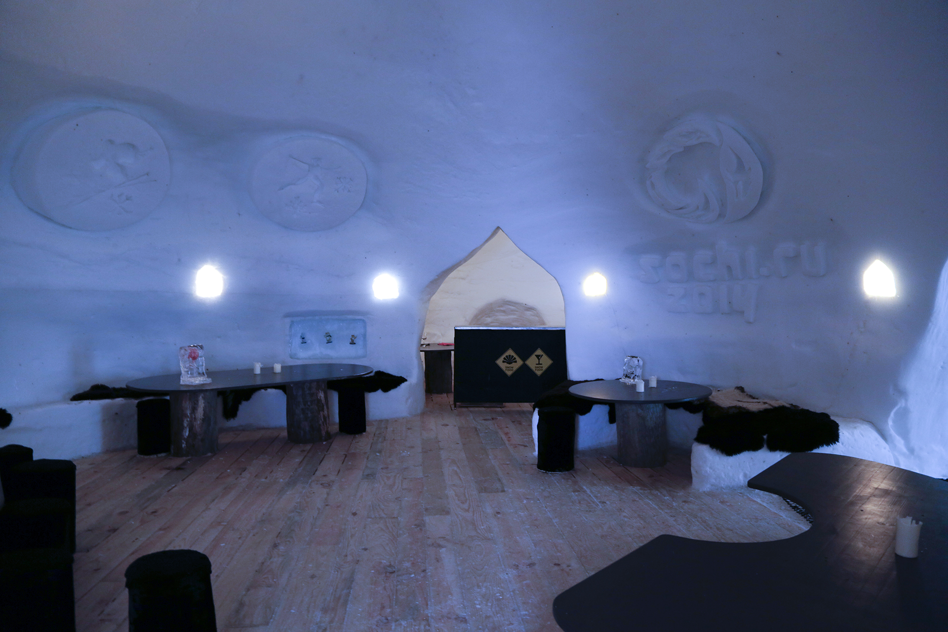 Pure Snow Top 10 Most Amazing Places To Stay In The Snow - Igloo Hotel 3.jpg