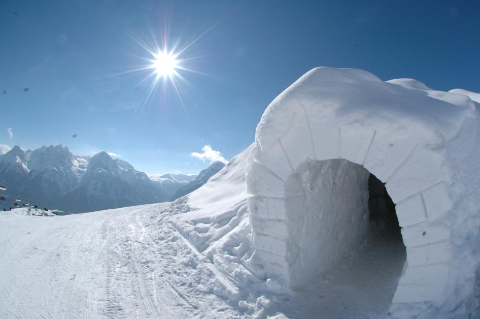 Pure Snow Top 10 Most Amazing Places To Stay In The Snow - Igloo Hotel 5.JPG