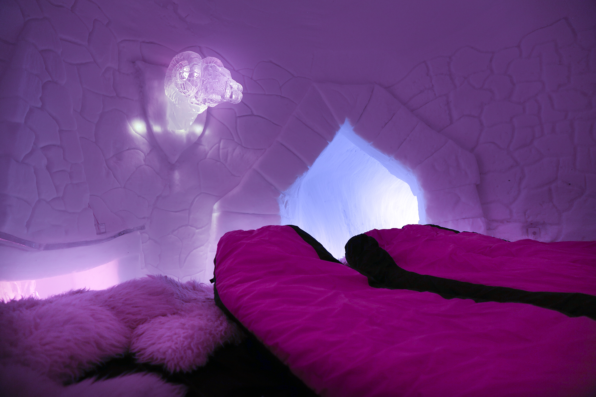 Pure Snow Top 10 Most Amazing Places To Stay In The Snow - Igloo Hotel 4.jpg