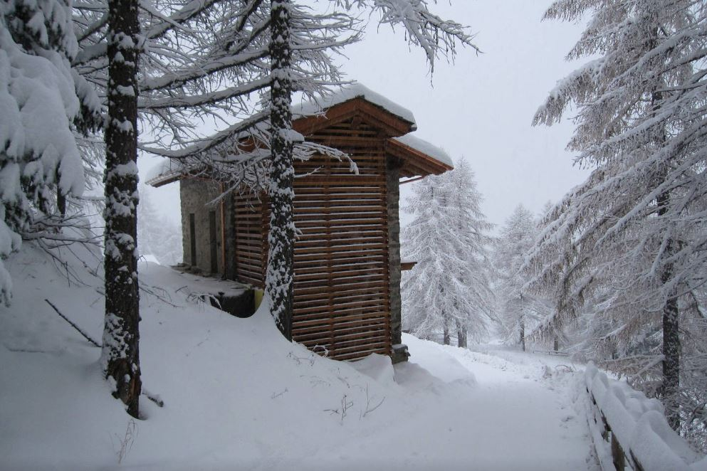 Pure Snow Top 10 Most Amazing Places To Stay In The Snow - Italy Chalet 1.JPG
