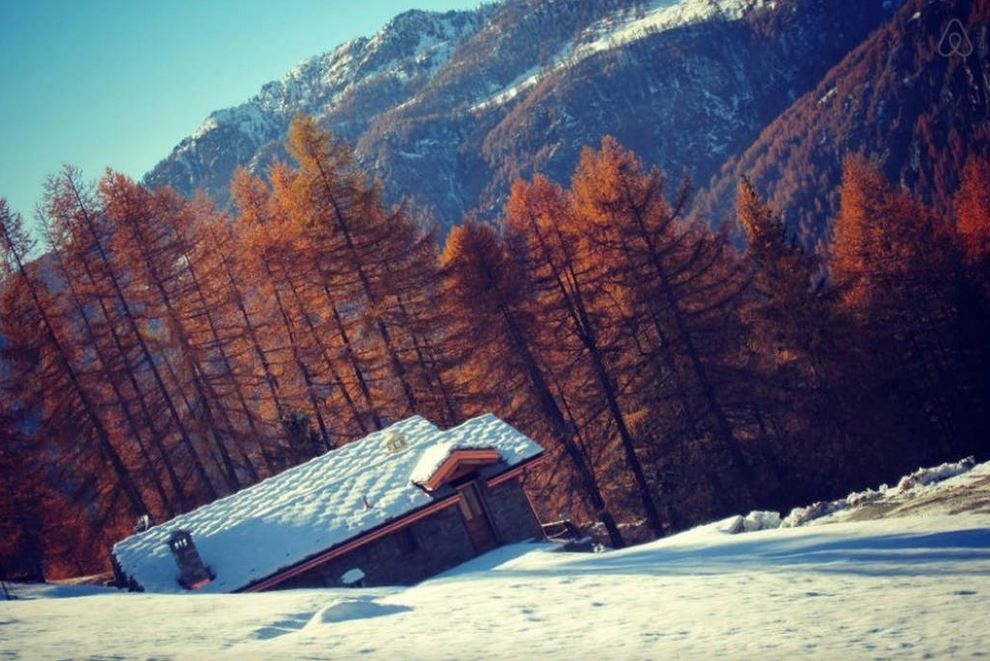 Pure Snow Top 10 Most Amazing Places To Stay In The Snow - Italy Chalet 2.JPG