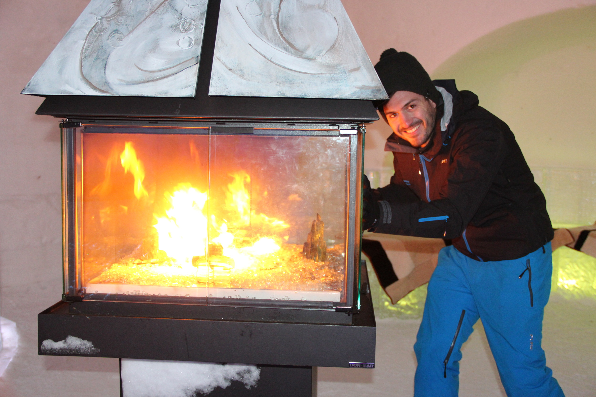 Pure Snow Karl about town jacket Niagara Falls.JPG