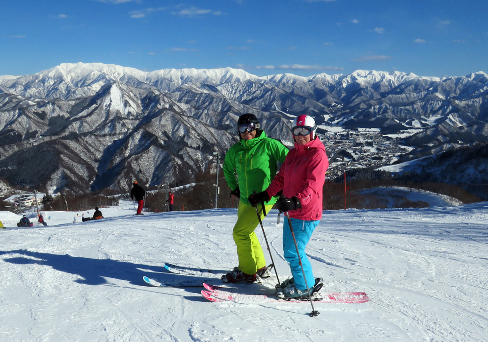 A fine day at Gala Yuzawa to wear the  Remarkables  insulated pants.