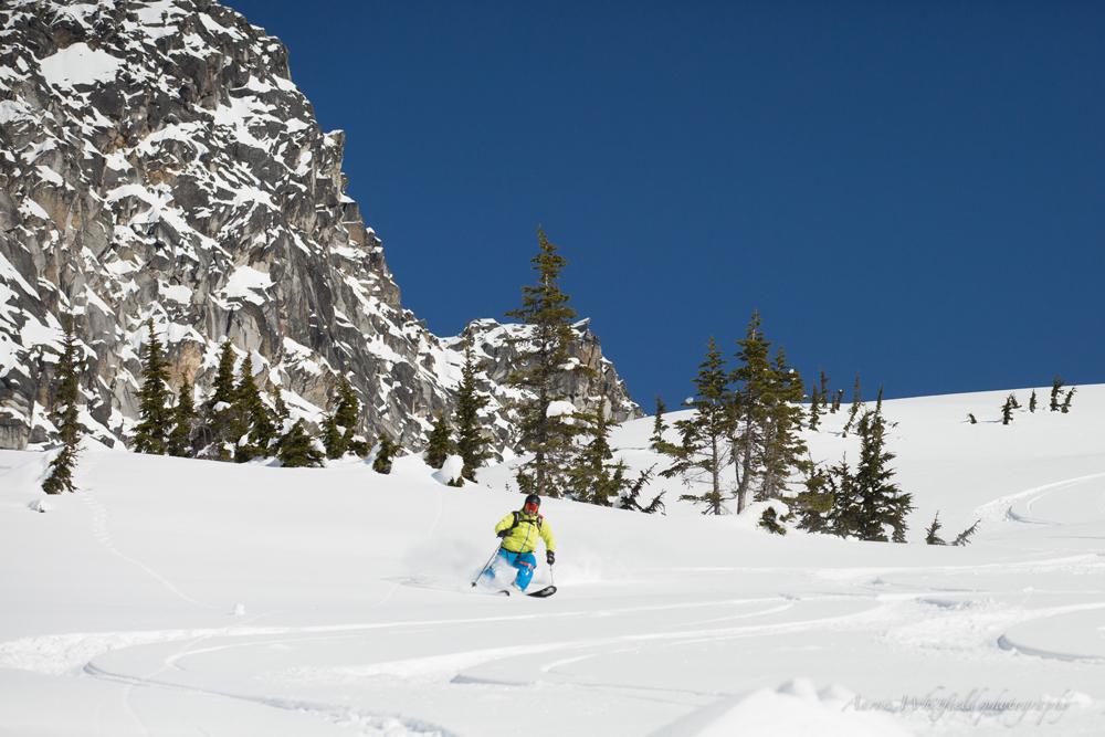 pure-brandz-powderhounds-skiing-northern-escape-heli-skiing.jpg