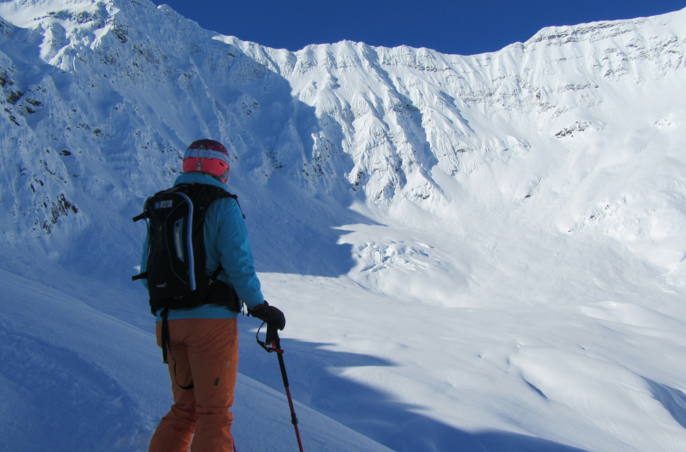 pure-brandz-powderhounds-skiing-northern-escape-heli-skiing-21.jpg