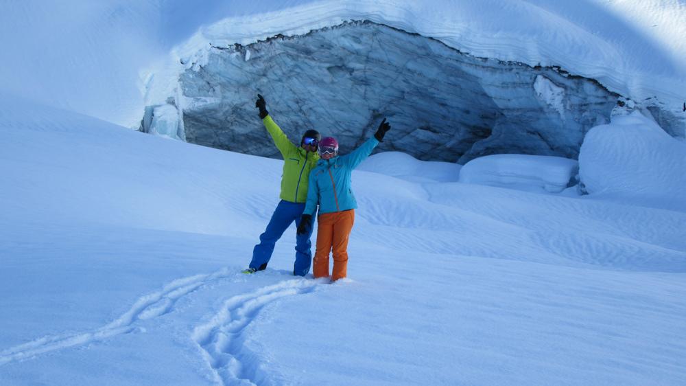 pure-brandz-powderhounds-skiing-northern-escape-heli-skiing-20.jpg