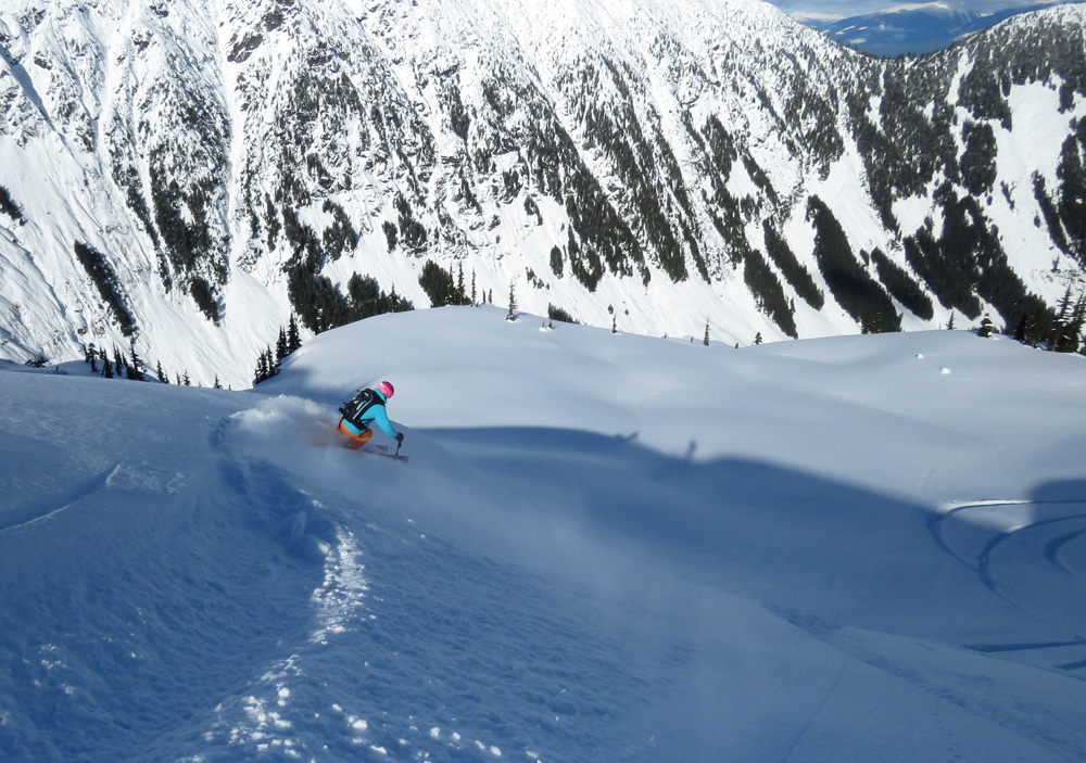 pure-brandz-powderhounds-skiing-northern-escape-heli-skiing-34.jpg